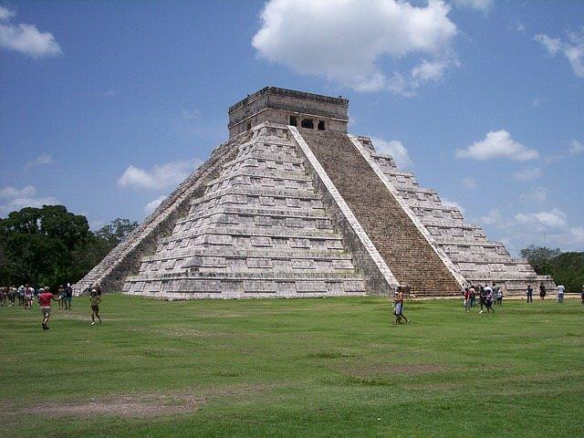 maya-ancient-temple-chichen-itza1